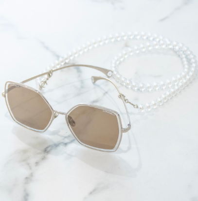 chanel-eyewear-SS20-margaret-qualley-centri-belotti-canton-ticino-3